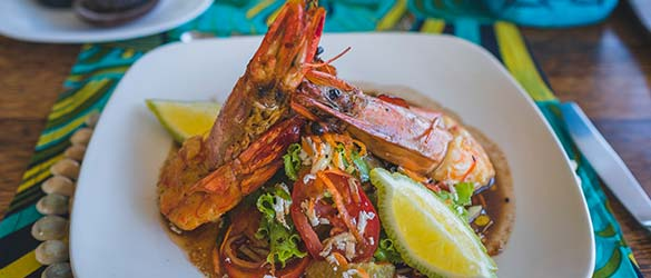 Experience the dining at Coral Lodge