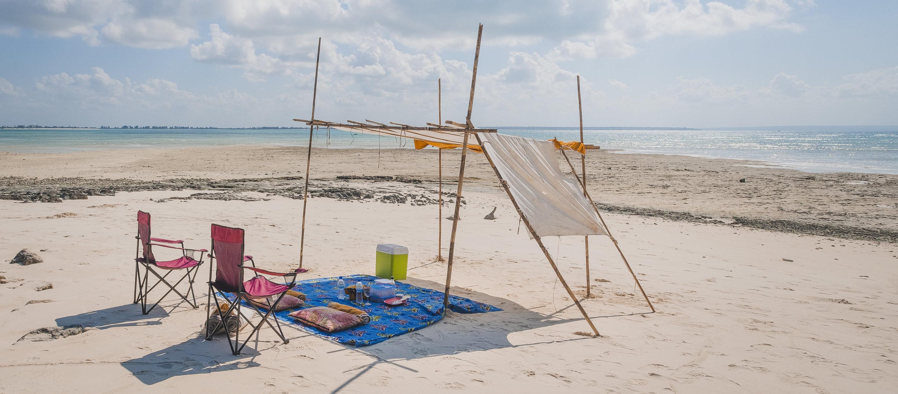 Corallodge_private_beach_picnic