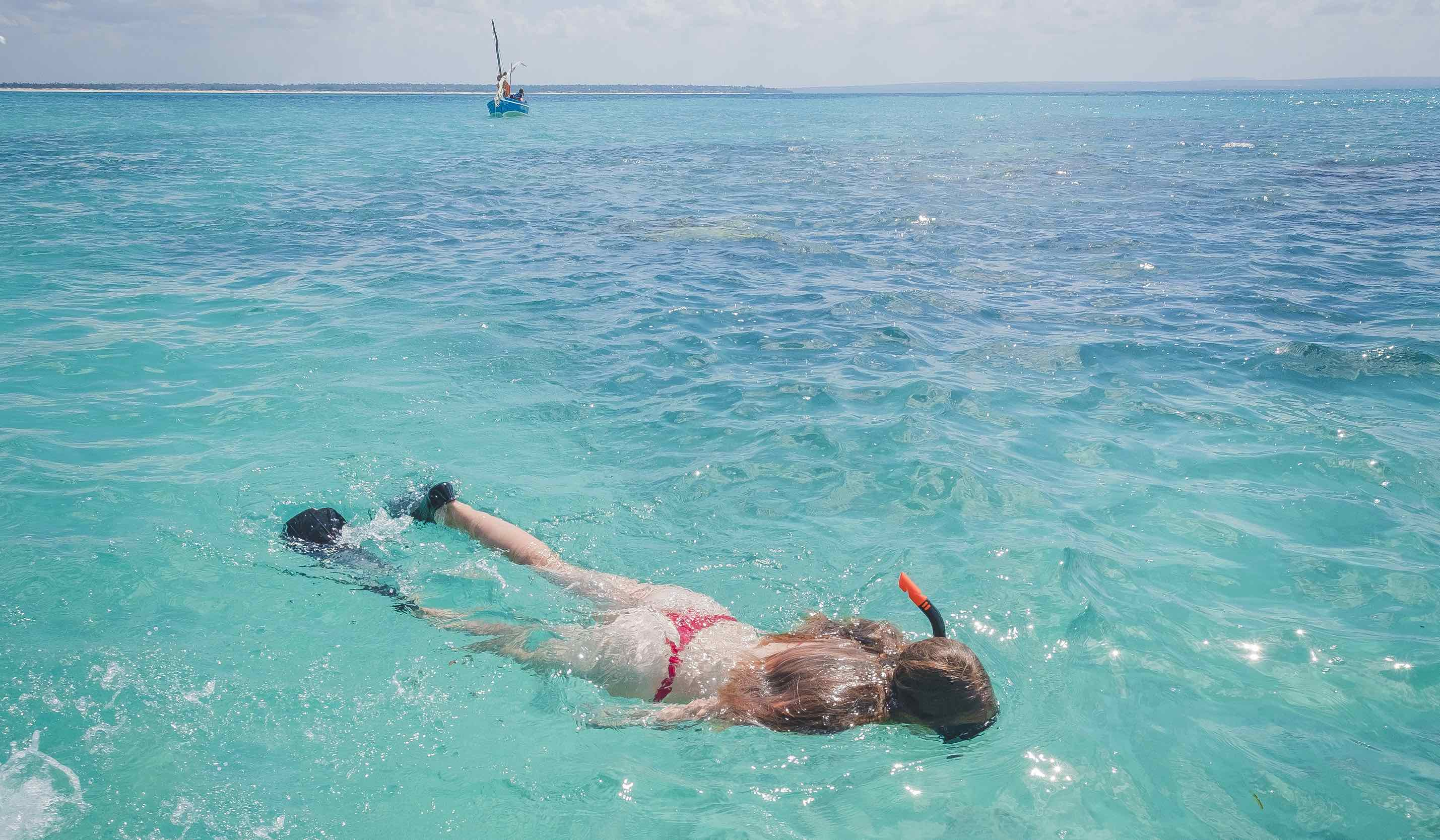 Corallodge_snorkelling_girl